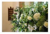 dekoracja kwiatowa kościoła na ślub